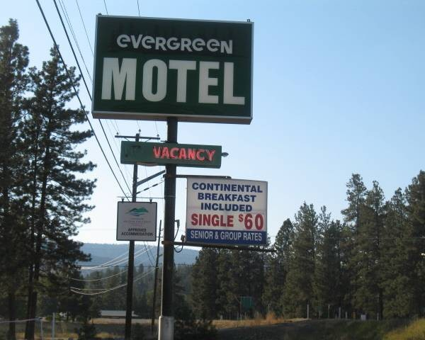 Evergreen Motel.jpg