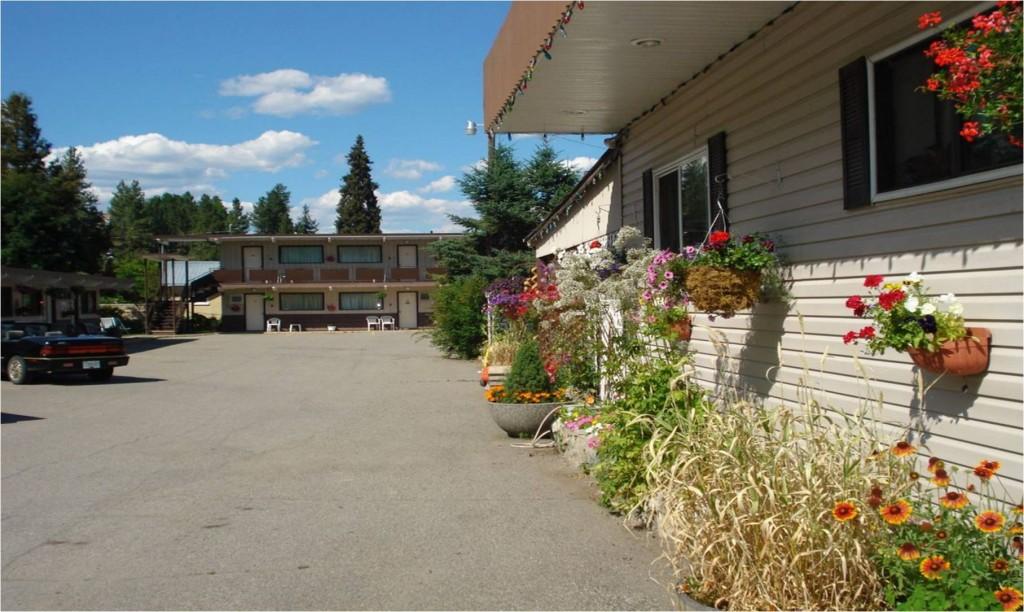Cedar motel2.jpg