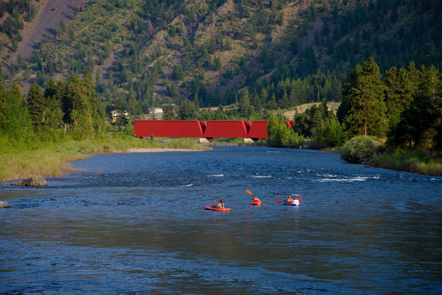 Keremeos, BC - Red Bridge, kayaking the Similkameen